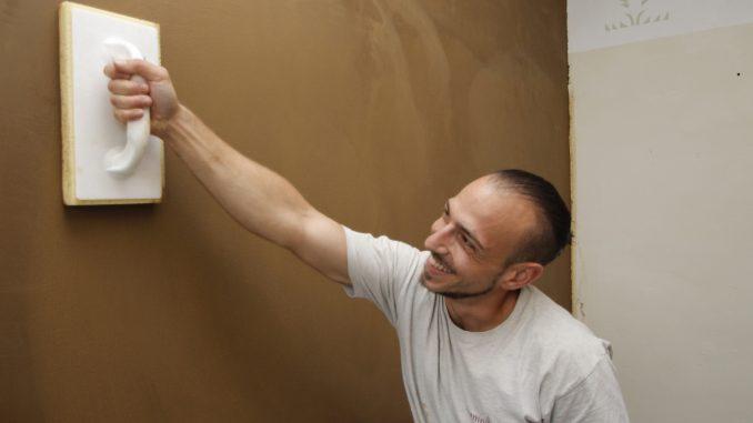Gut gemocht Wie man Putz aus Lehm verarbeitet - Das Portal für Heimwerker XZ89