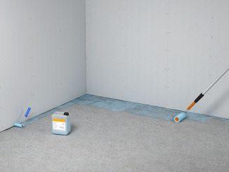Zur besseren Haftung den Untergrund mit Tiefengrund behandeln. Foto: fermacell