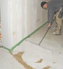Gerade auf Holzdecken kann eine Wabenschüttung eine gute Basis bieten. Foto: Fermacell