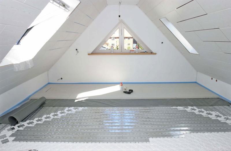 Wie lässt sich die Fußbodenheizung mit Trockenestrich ...