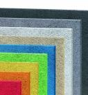 Akustisch wirksame Deckenbekleidung in verschiedenen Farben. Foto: Fibrolith Dämmstoffe GmbH