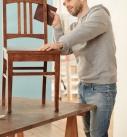 Alte Möbelstücke sehen gut aus, wenn sie entsprechend gepflegt und behandelt werden. Foto: tdx / Knauf