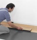 Die nächste Reihe möglichst mit dem Reststück der vorherigen beginnen. Foto: Hamberger Flooring GmbH&Co.KG/HARO